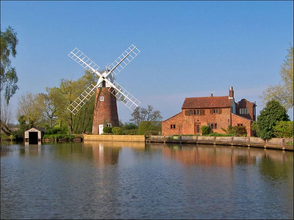 Relax on the Norfolk Broads